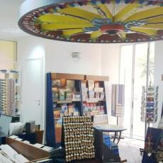 Arredamento per negozi in Sicilia con Area Design Gruppo Raimondi