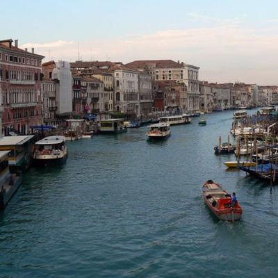 Learn italian in Venice on Boat