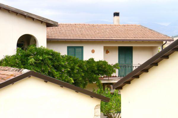 scrittore Caltanissetta - Veduta del Casale di Emma, location matrimoni in campagna